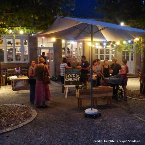 En Corrèze,la P'tite Fabrique Solidaire est d'abord un café associatif où l'on déguste des boissons locales.