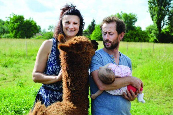 Sandrine Lagarde élève des lamas
