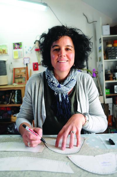 Anne Thoby travaille la laine des Pyrénées