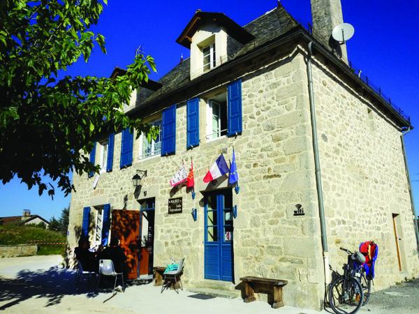 La mairie de Saint-Bonnet-les-Tours-de-Merle