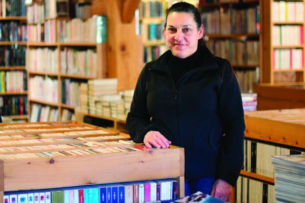 Françoise Baltzer, 51 ans a été l'une des pionnières avec sa librairie Les Caractères.