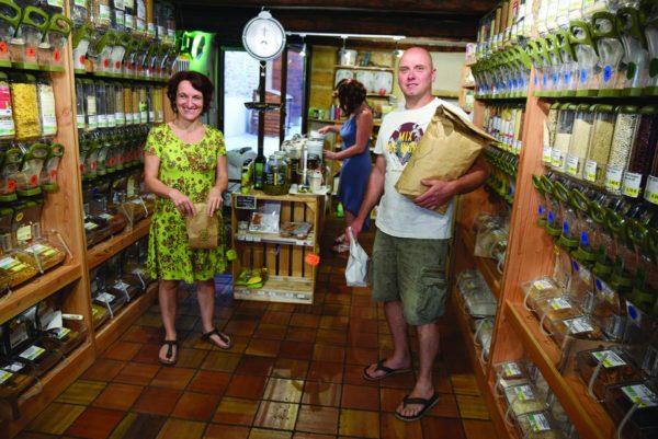Claire et Jean-Christophe ont monté une épicerie bio
