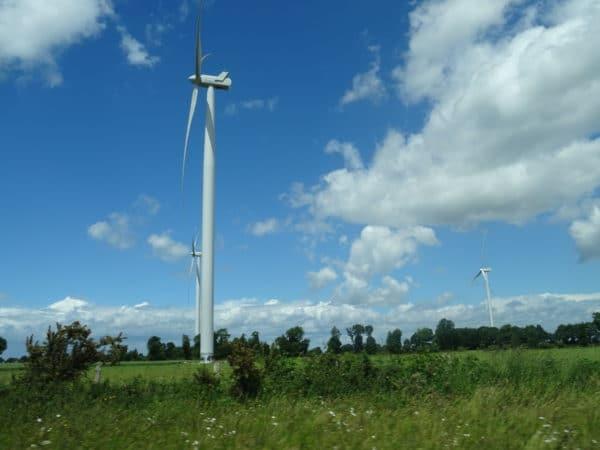 Une enquête révèle que 77 % des Français ont une bonne image de l'énergie éolienne.