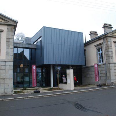 Le Mortainais, dans le sud de la Manche vient de transformer l'ancien tribunal de Mortain-Bocage (3 285 habitants) en un forum social intergénérationnel et solidaire.