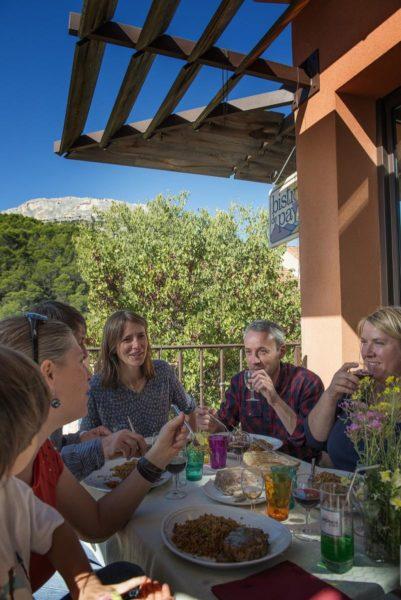 Comment se portent les bistrots de pays de Provence-Alpes-Côte d'Azur ? Plutôt bien.