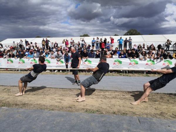 Sport olympique de 1900 à 1920, le tire à la corde est aujourd'hui très pratiquée en Bretagne, au Pays basque et dans l'Allier.