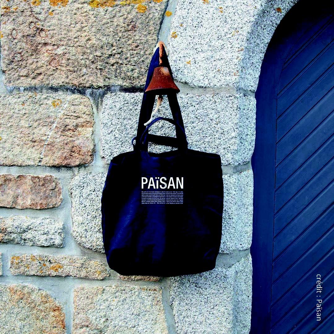 On peut de nouveau trouver des objets fabriqués avec du lin produit, transformé et surtout filé en France.