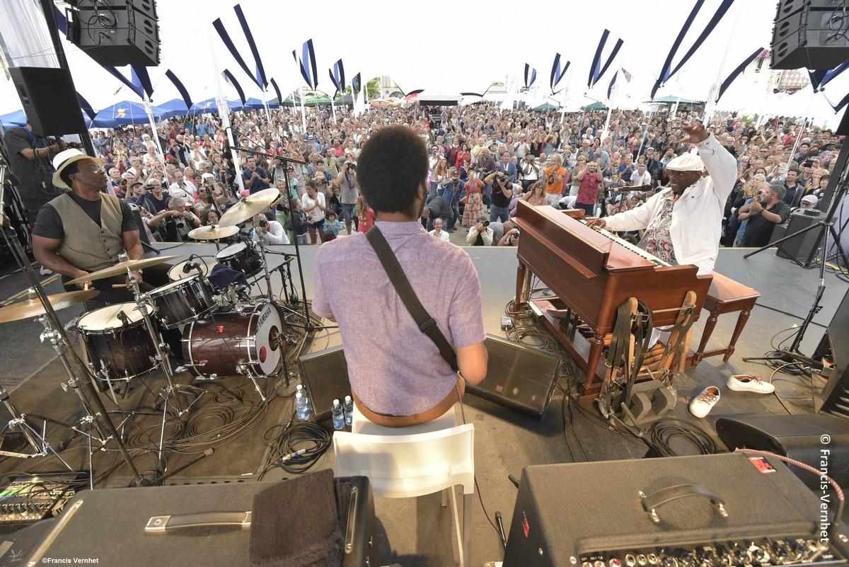 Le festival de jazz de Marciac est l'un des événements culturels majeurs. Mais toute l'année, le Gers vibre au rythme des fêtes, concerts et autres spectacles.